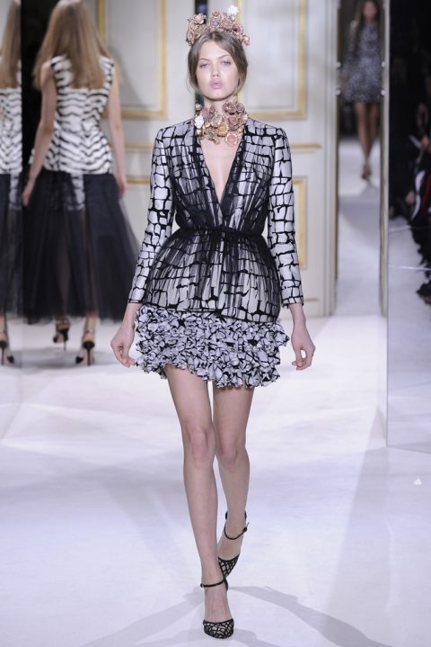 Giambattista Valli: Paris Fashion Week