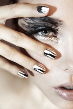 Beauty - Chrome Nails @ Skintonic by Joanne