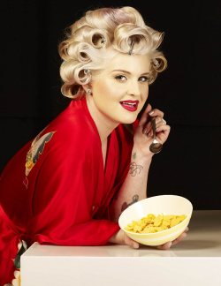 "Kelly Osbourne ""Make Mine Milk"" Campaign"