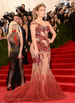 Red Carpet Fashion at the Met Ball 2015