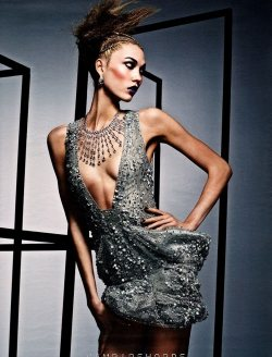 "Karlie Kloss's ""Drama Queen"" for W Magazine"